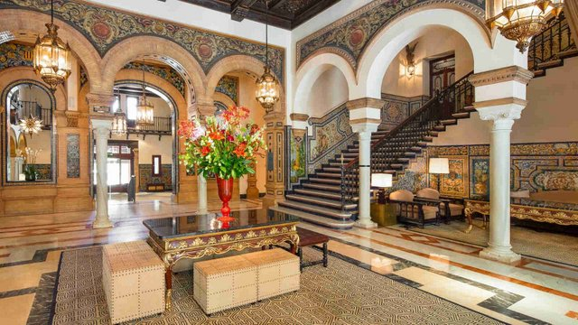 Visit the Hotel Alfonso XIII on a day in Seville