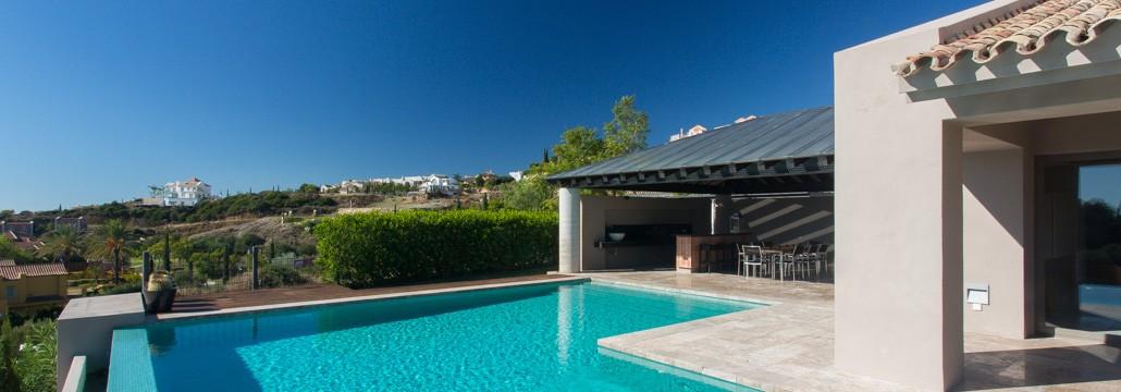 5 bed designer villa in los flamingos to rent villa picasso for Villas with infinity pools