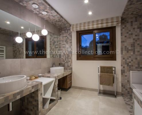 Luxury villa rental Marbella ensuite