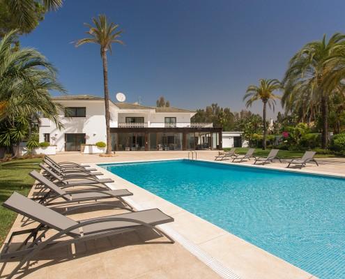 Marbella villa pool rental