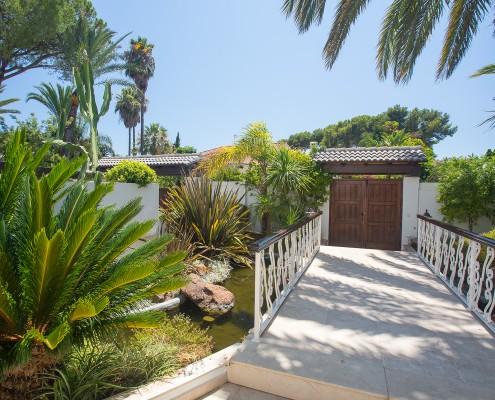 pond villa Marbella rental