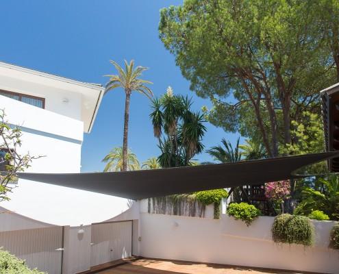 secure parking driveway villa rental Marbella