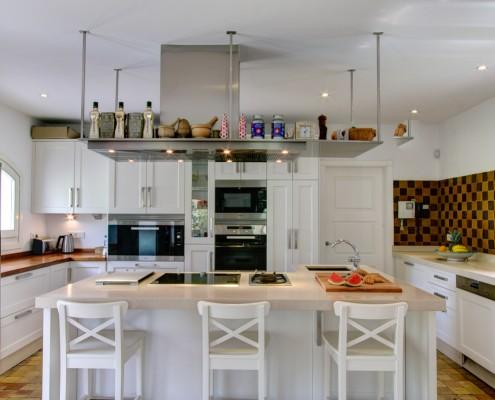 Modern white Gaggenau kitchen