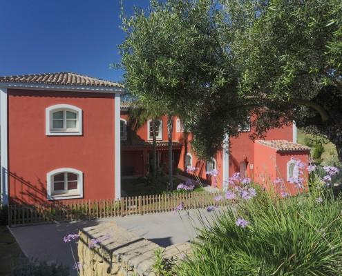 Tuscany style villa in Benahavis