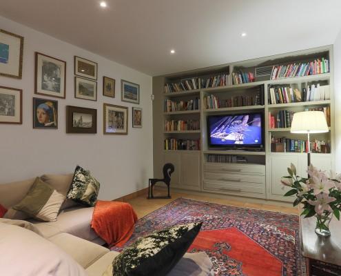 Villa tv room