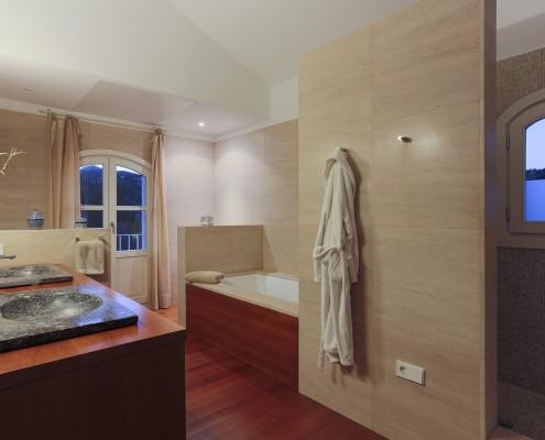 Luxury villa bathroom