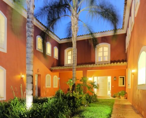 luxury villa in Benahavis at night
