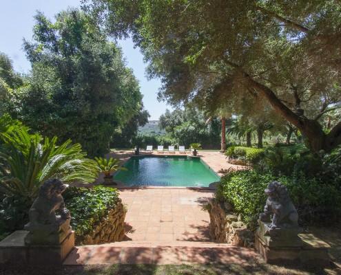 Sotogrande villa pool rental