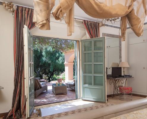 Sotogrande villa bedroom terracce