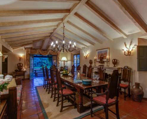 Sotogrande Villa dining room