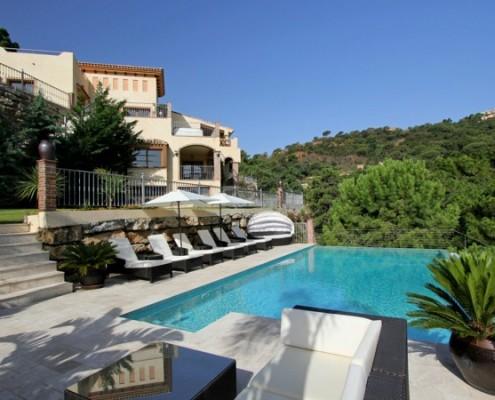 Relaxing pool, luxury villa