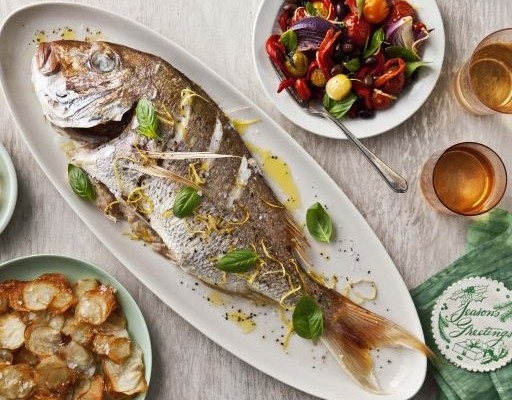 Roast fish with salad