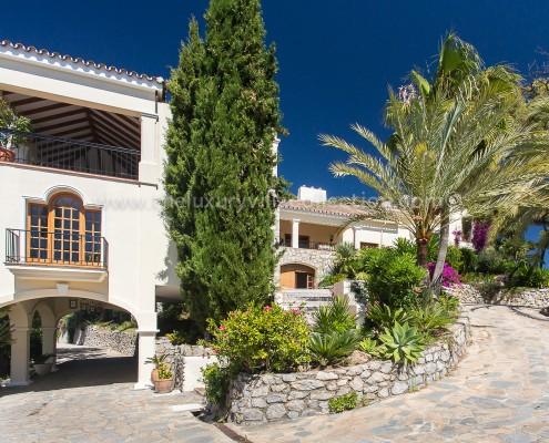 luxury private villa rental weddings
