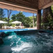jacuzzi villa rental marbella