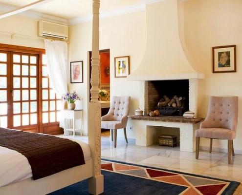 Hacienda de Madronal master bedroom wedding rental