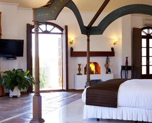 Hacienda de Madronal master suite Spain rental