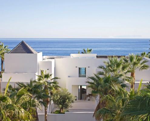 Sea front villa Puerto Banus