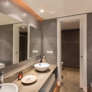 Villa guest bathroom rental Marbella