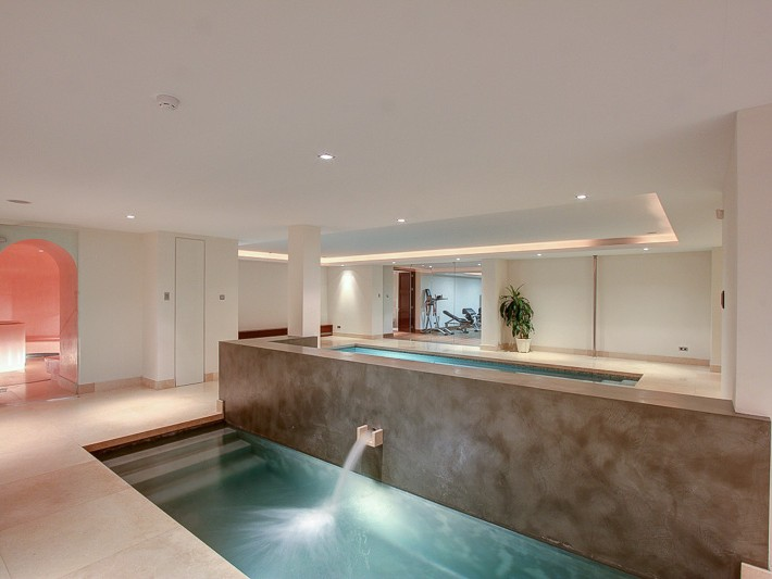 Marbella villa indoor pools