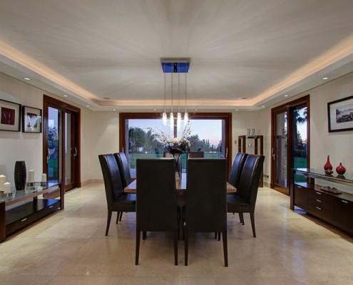 Paraiso Camojan villa dining room
