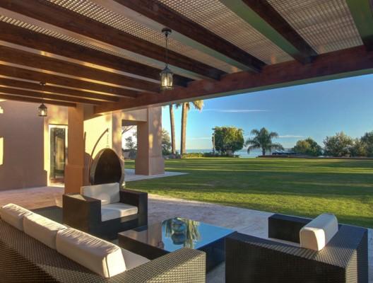 Camojan villa terrace