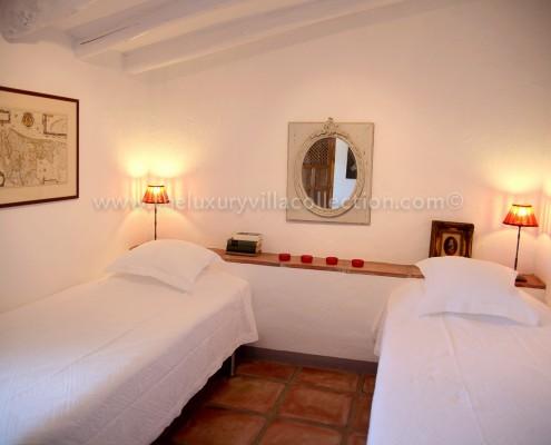 Malaga villa rental luxury