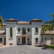 Villa Monterey rental Puerto Banus entrance