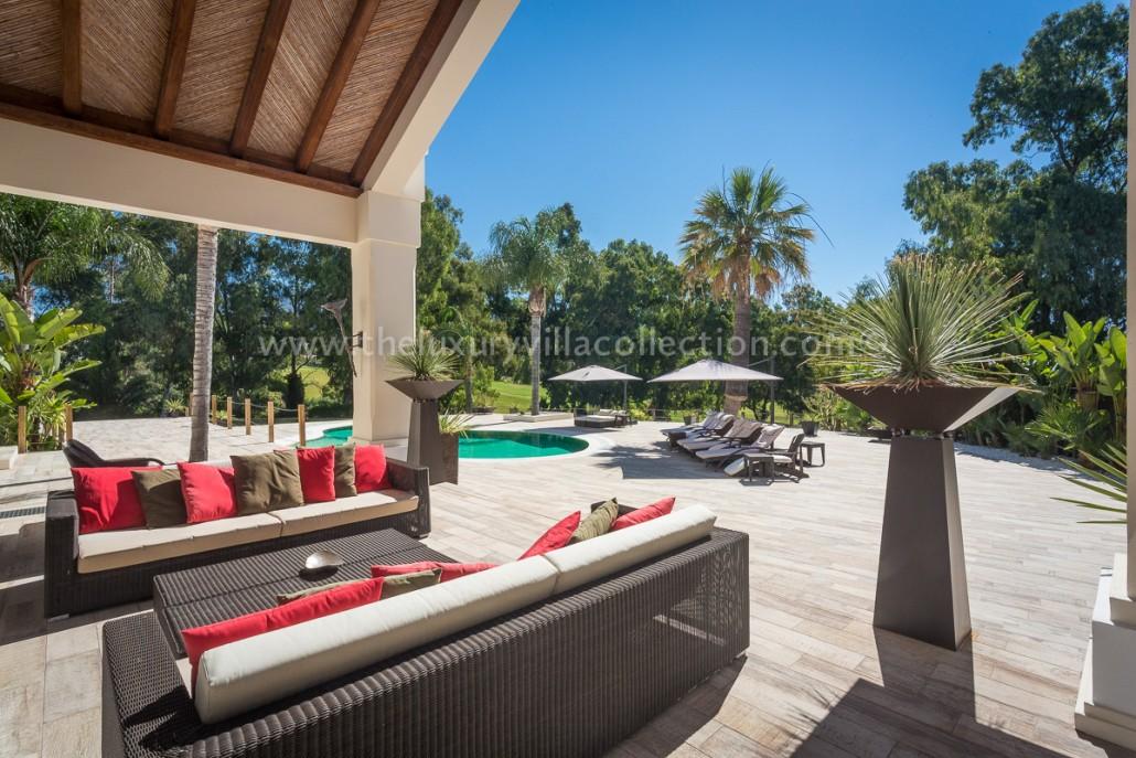 Villa Monterey Puerto Banus outdoor terrace