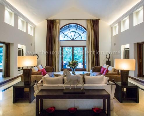 Villa Monterey Marbella living room