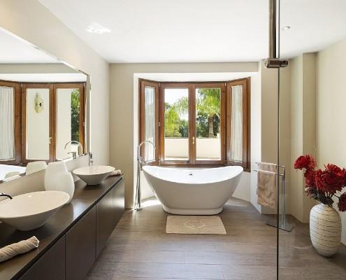 Villa Monterey rental Puerto Banus bathroom