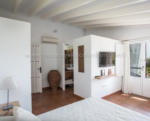 Malaga luxury villa master bedroom