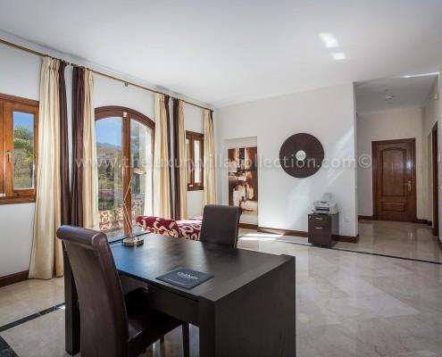 Villa Monterey Puerto Banus office