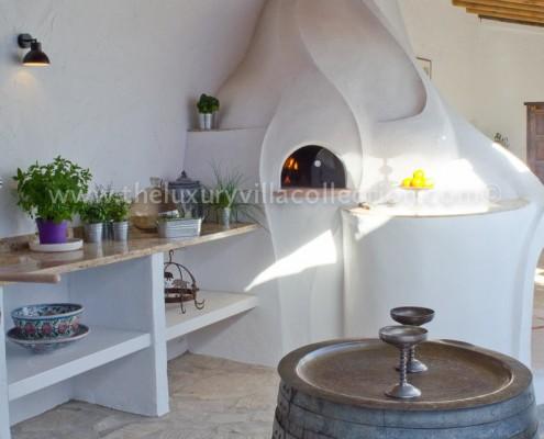 Malaga outdoor kitchen villa rental