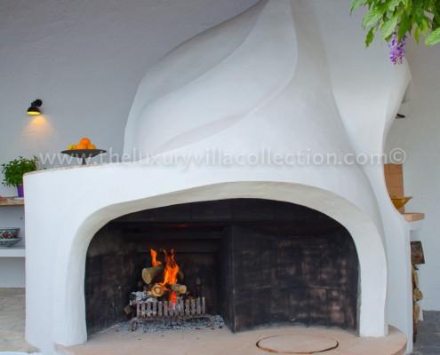 pizza oven Spain villa rental