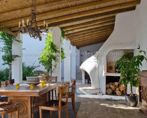 Andalusia Malaga villa rental outdoor kitchen living