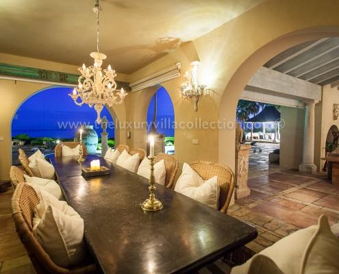 Villa Las Artes Marbella al fresco dining