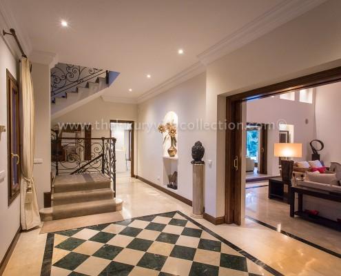 Villa Monterey rental Puerto Banus hallway