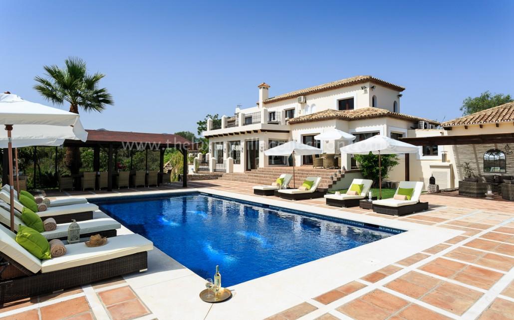 Stylish 5 Bedroom Villa In Estepona Luxury Villa Collection