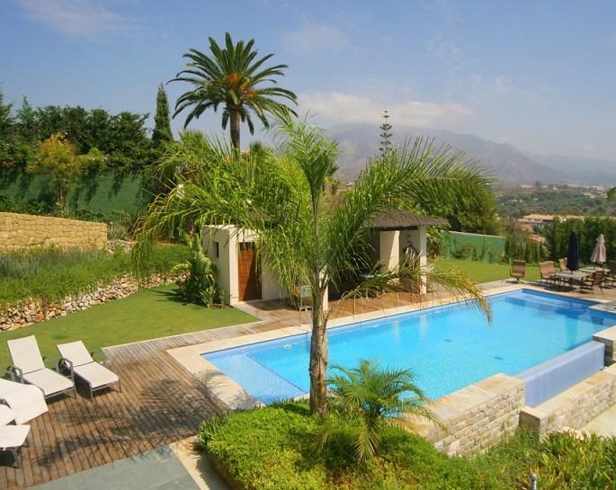 Luxury Villas With Amazing Pools In Spain Lvc