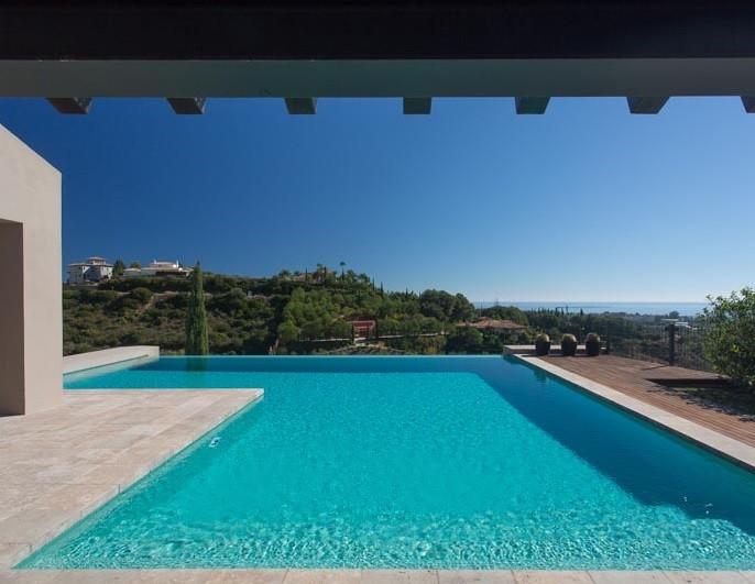 villa picasso infinity pool