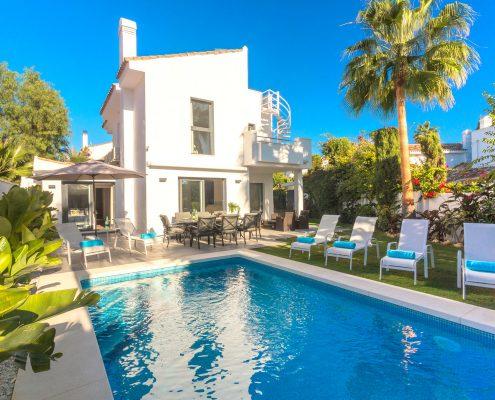 Villa Blanco family villa rental Estepona