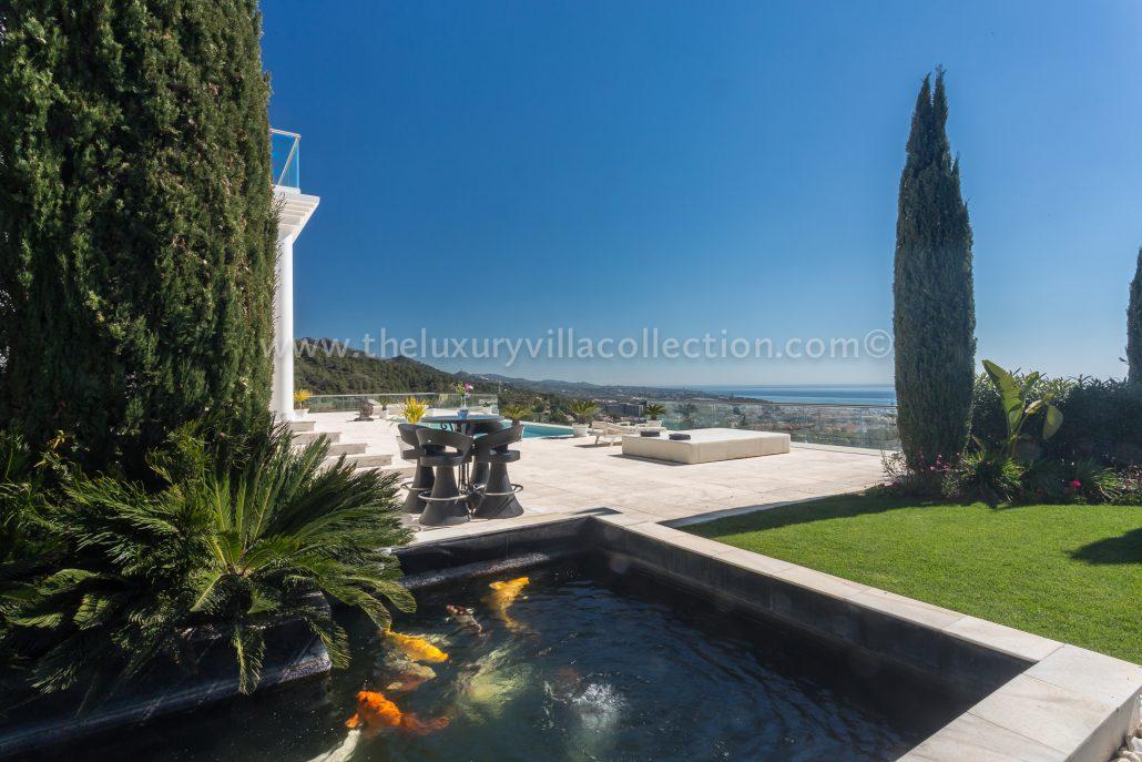 Elegant 7 bedroom villa in marbella luxury villa collection for Koi pool villa