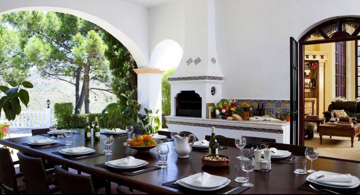 Outdoor dining in Spain