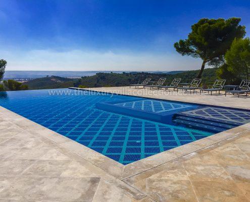 Hacienda Sofia Madrid villa private pool