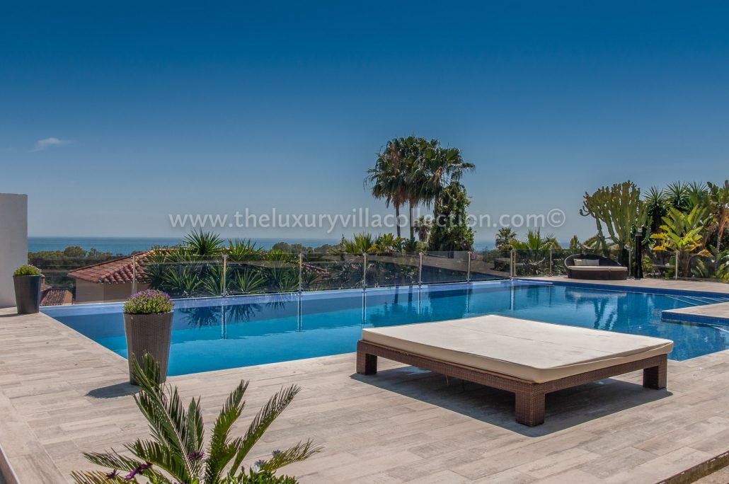 Villa eivissa marbella 8 bedroom villa rental the luxury for Villas with infinity pools