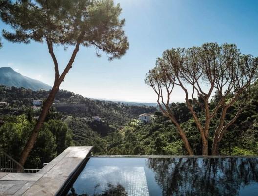 Villa Cezanne Marbella luxury villa infinity pool