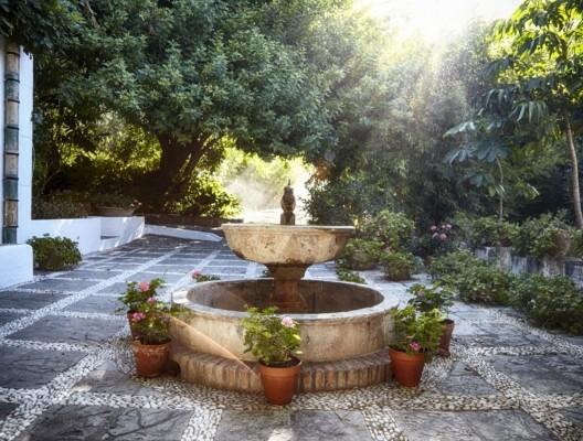 Finca La Buena Benahavis courtyard fountain