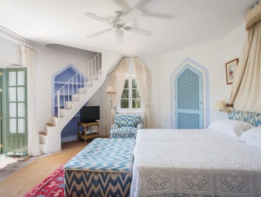 Finca La Buena luxury estate blue room