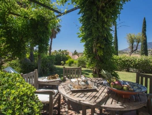 Villa Kynthia luxury Estepona villa private gardens