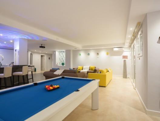 Villa Monterey luxury Marbella villa games lounge 3
